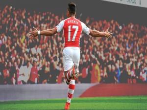 Alexis Sánchez con el número 17 (Arsenal F.C.)