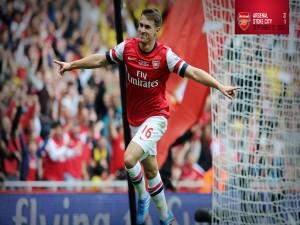 Aaron Ramsey número 16 del Arsenal