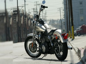 Harley Davidson en una calle