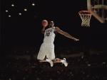 Kobe Bryant encestando