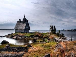 Casa vieja a orillar del mar