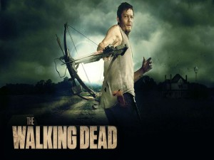 Daryl apuntando con la ballesta (The Walking Dead)