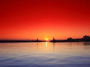 Puesta de sol en el puerto