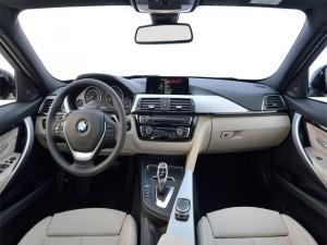 Interior de un elegante BMW