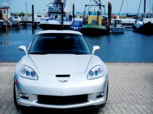 Chevrolet Corvette gris metalizado