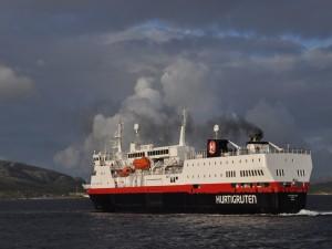 Crucero en un mar de Noruega