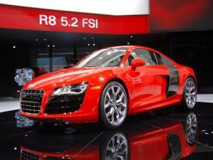 Lujoso Audi R8 rojo