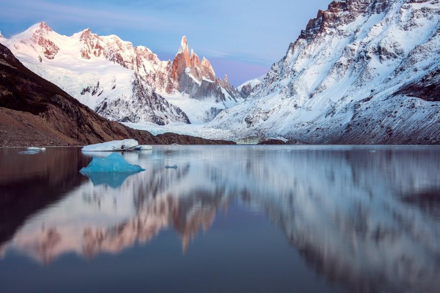 Lago Con Montañas Nevadas Hd: Lago Entre Las Montañas Nevadas (79953