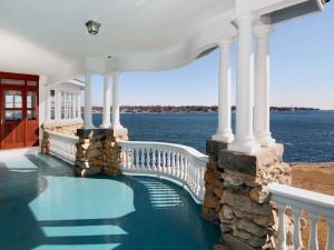 Espléndida vista al mar desde la terraza de una casa