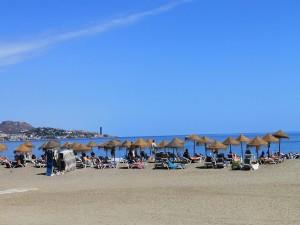 Disfrutando de un día soleado de playa
