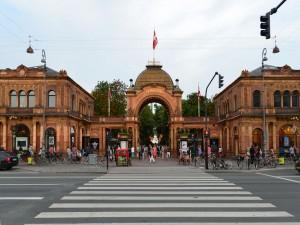 Entrada del Parque de Tivoli  (Copenhague, Dinamarca)