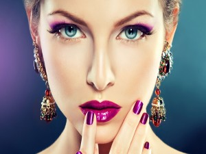 Maquillaje de color púrpura