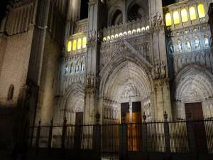 Fachada principal de la Catedral de Santa María de Toledo (España)