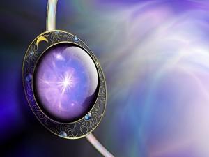 Medallón color púrpura