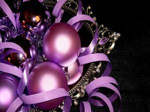Bolas y cintas para Navidad