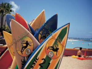 Tablas de surf en la playa