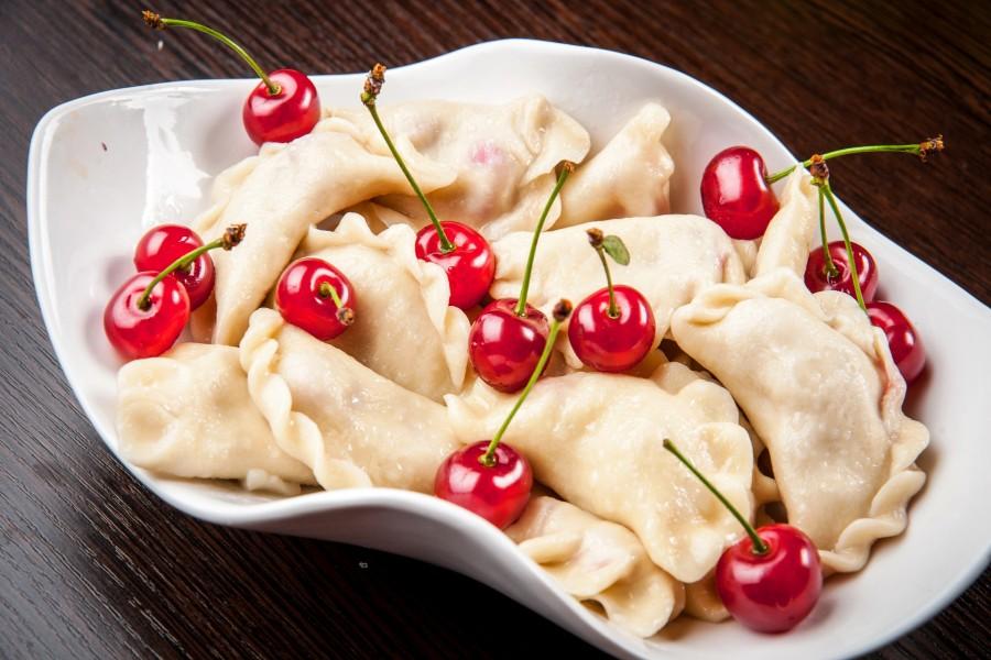 Empanadillas y cerezas